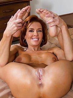 Hot Mature Cumshots Porn Pics