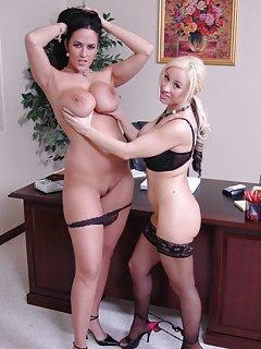 Hot Mature Lesbian Porn Pics