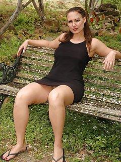 Hot Mature Outdoor Porn Pics